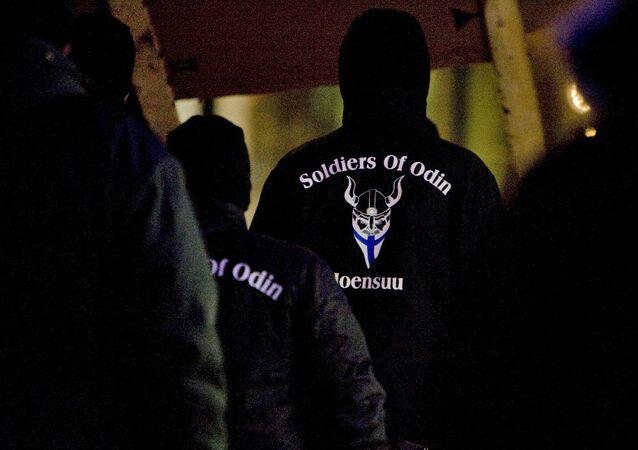 Finlandiya'da ırkçı Odin'in Askerleri grubu