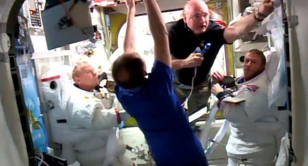 Uzay yürüyüşü erken sonlandırıldı