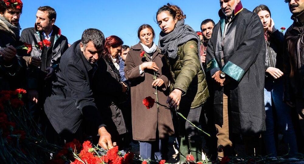 Türkan Elçi - Nazenin Elçi