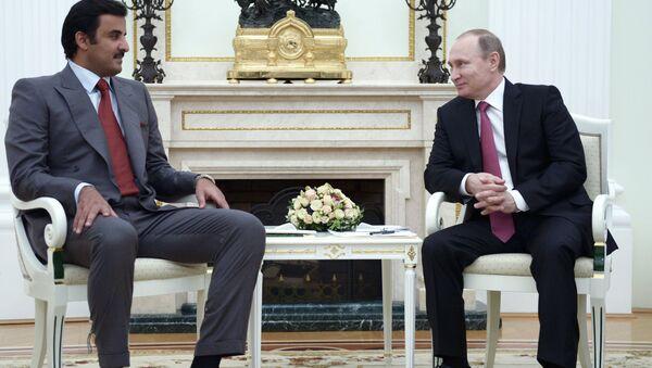 Katar Emiri Hamad bin Halife el Sani ve Rusya Devlet Başkanı Vladimir Putin - Sputnik Türkiye