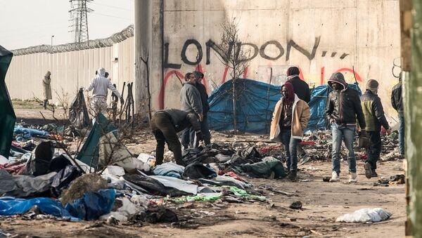 Calais sığınmacı kampı - Sputnik Türkiye