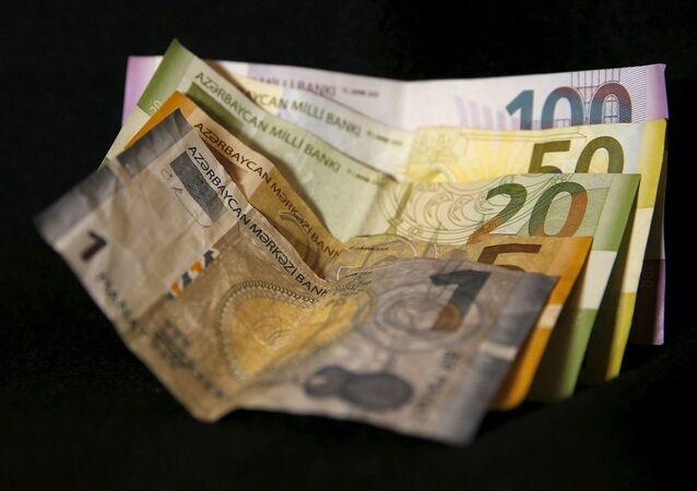 Azerbaycan para birimi manat