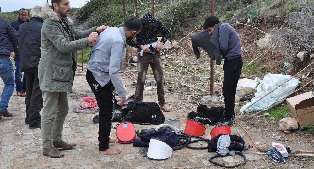 Ege'de Suriyeliler 5 arkadaşlarını bottan attı