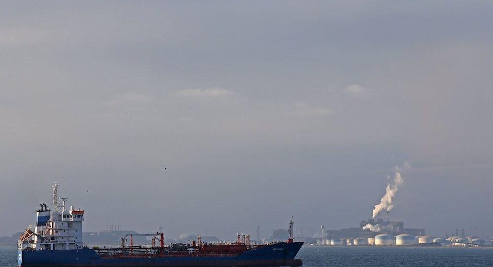 40 yılın ardından ilk ABD petrol gemisi Avrupa'ya ulaştı