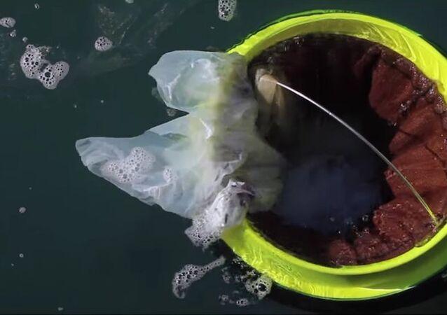 Seabin denizlerdeki çöpleri toplayacak
