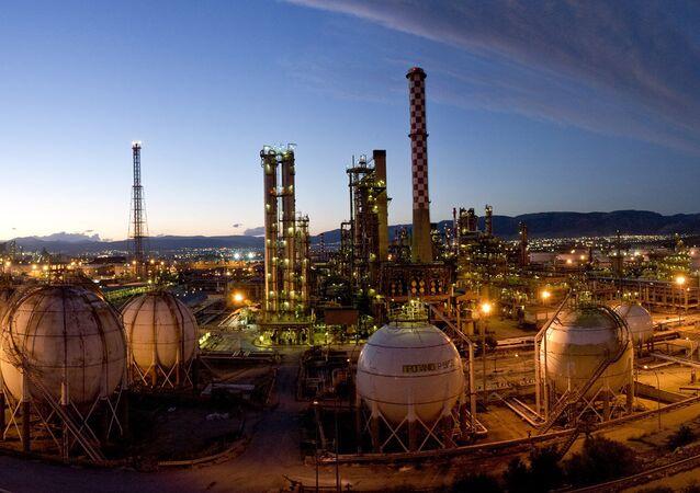 Yunan Petrolleri