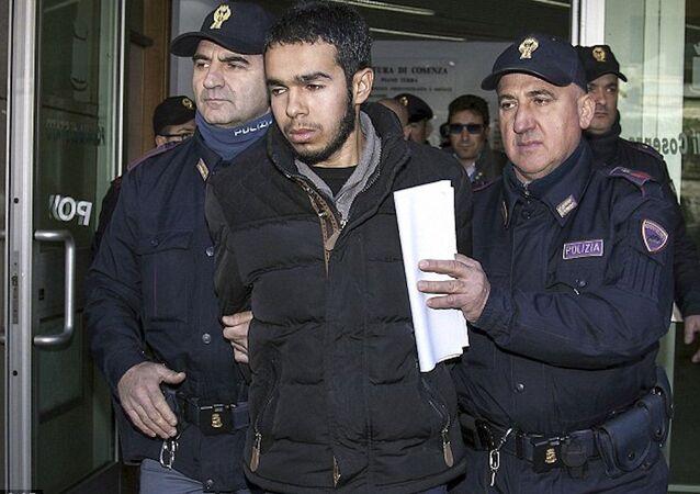 25 yaşındaki Hamil Mehdi, İtalya'da gözaltına alındı.
