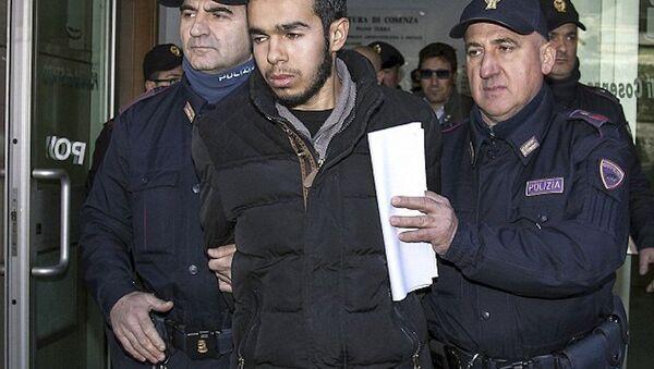 25 yaşındaki Hamil Mehdi, İtalya'da gözaltına alındı. - Sputnik Türkiye
