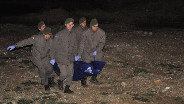 ANAP'lı eski Bakan Ekrem Pakdemirli'nin kızı ölü bulundu. - Sputnik Türkiye