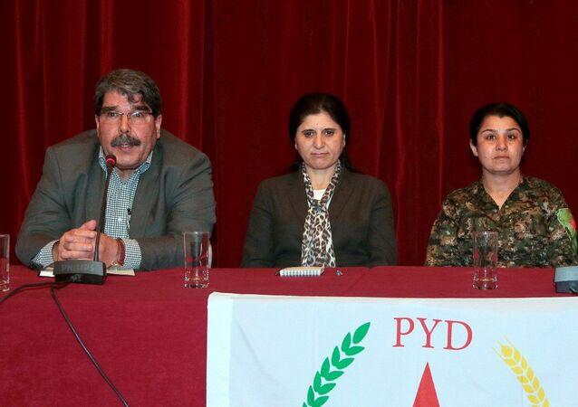 PYD Eşbaşkanı Salih Müslim - PYD Eşbaşkanı Asya Abdullah - YPJ Komutanı Nesrin Abdullah