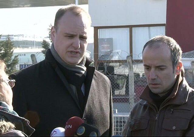 Uluslararası basın örgütleri Can Dündar ve Erdem Gül'e tecridi Silivri'de kınadı .