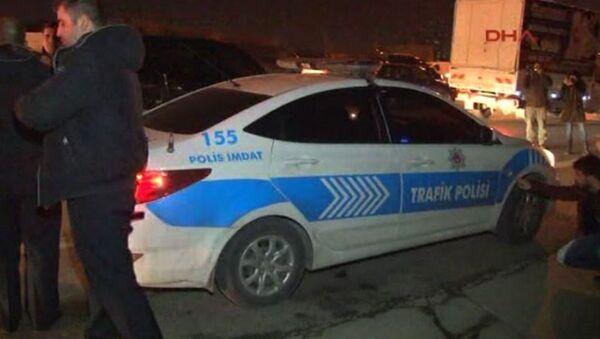 İstanbul'da polis aracına ateş açıldı - Sputnik Türkiye
