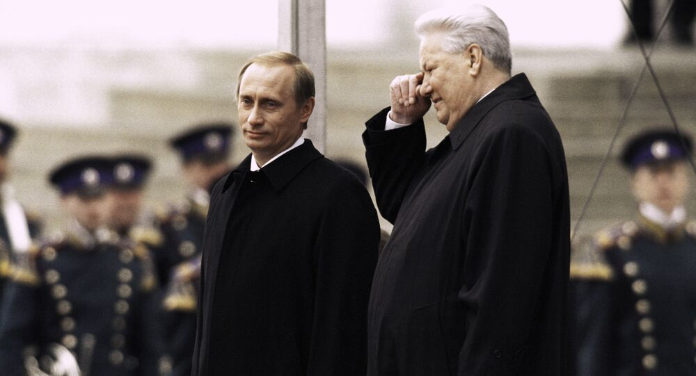 Rusya Federasyonu'nun ilk Devlet Başkanı Boris Yeltsin  Rusya Devlet Başkanı Vladimir Putin'in 2000 yılındaki göreve başlama töreninde.