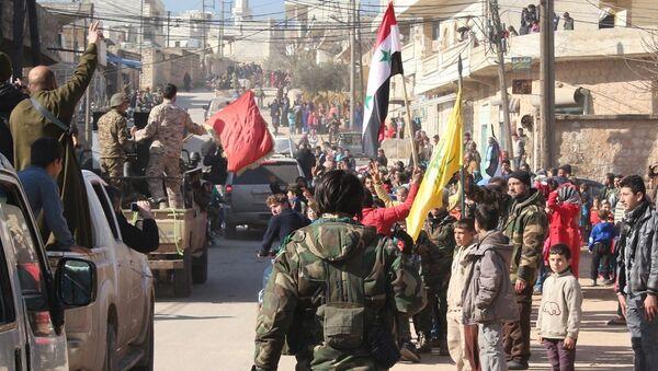 Suriye ordusu, Halep kentindeki Zehra ve Nubul kasabalarında kuşatmayı kırdı. - Sputnik Türkiye