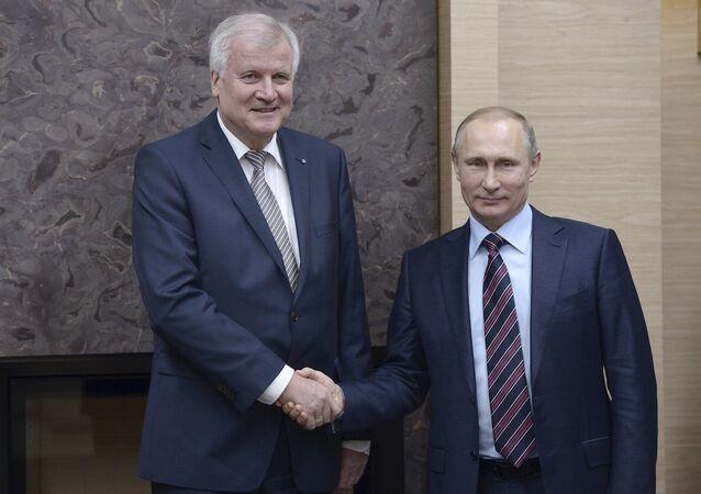 Bavyera Eyaleti Başbakanı Horst Seehofer, Rusya Devlet Başkanı Vladimir Putin'le görüştü.