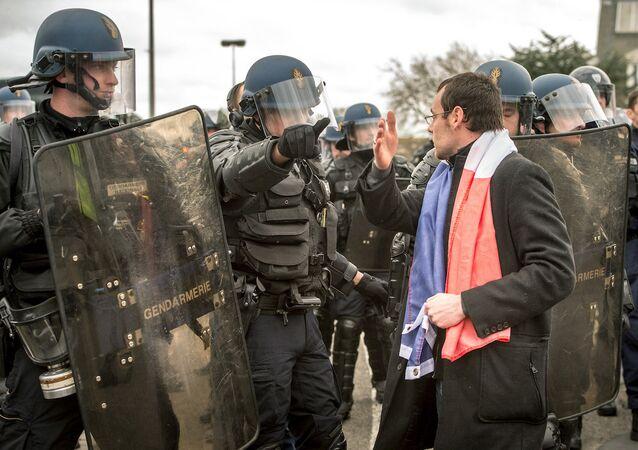Calais'teki PEGIDA eyleminden