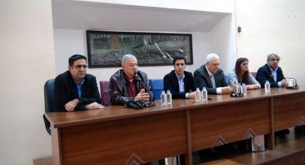 Cizre'ye gitmek isteyen HDP milletvekillerine izin verilmedi.