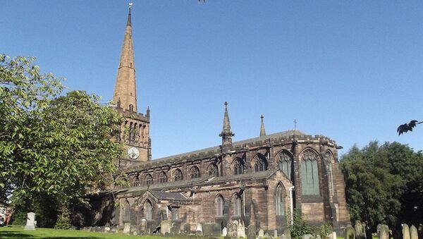 Warwickshire'daki St Peter & St Pauls Kilisesi - Sputnik Türkiye