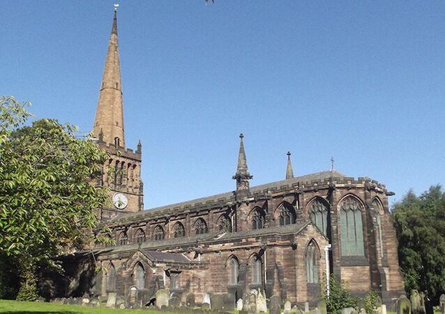 Warwickshire'daki St Peter & St Pauls Kilisesi