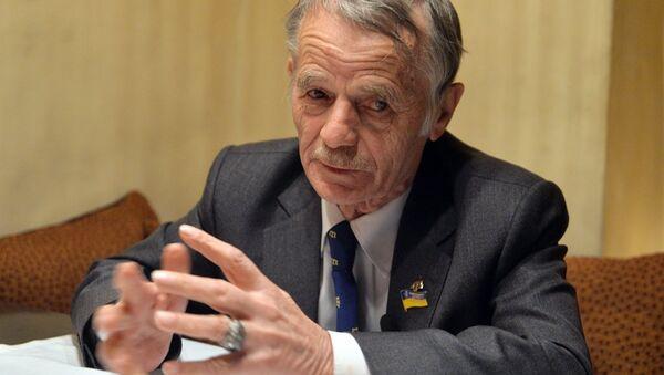 Kırım Tatar Meclisi'nin eski lideri ve Ukrayna parlamentosu üyesi Mustafa Cemilev - Sputnik Türkiye