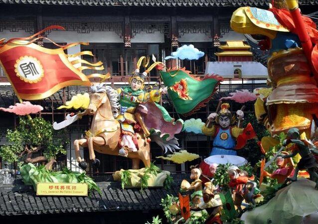 Çin 'maymun yılı'nı kutluyor