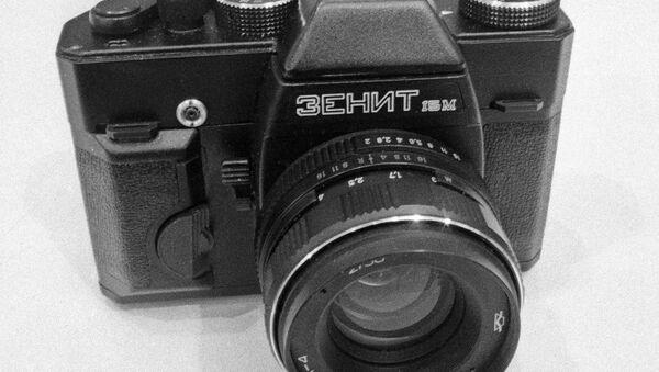 Zenit fotoğraf makineleri geri dönüyor. - Sputnik Türkiye