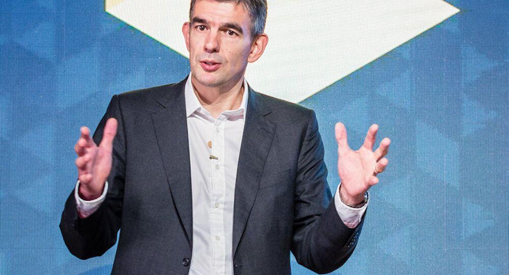 Google yöneticilerinden Matt Brittin, maaşının ne kadar olduğu sorusuna yanıt veremedi.
