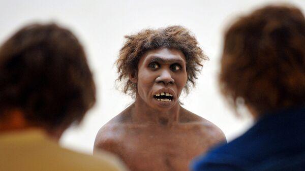 Eyzies-de-Tayac, Dordogne'da sergilenen Neandertal modeli - Sputnik Türkiye