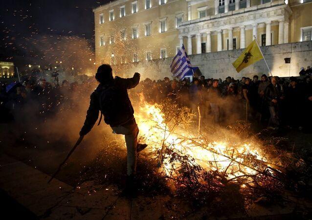 Yunanistan'da çiftçilerin öfkesi dinmiyor