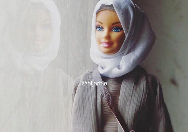 Başörtülü Barbie bebekleri Hijarbie