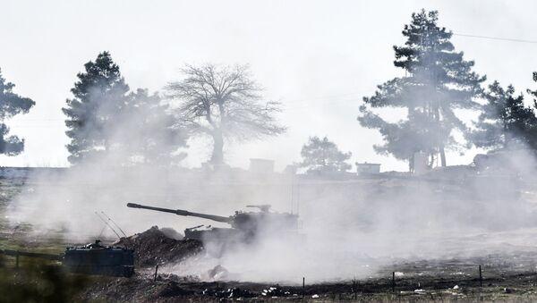 Öncüpınar Sınır Kapısı yakınlarındaki Türk tankları - Sputnik Türkiye