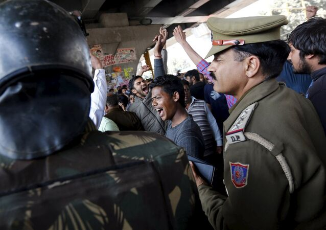 Hindistan / kast sistemi protestosu