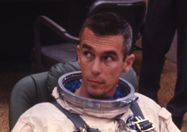 Apollo 10 astronotlarından Eugene Cernan