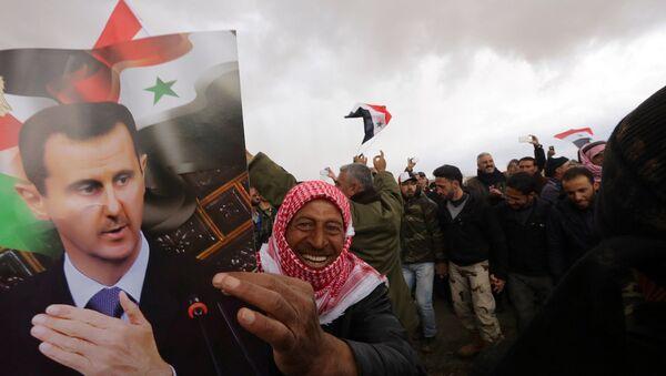 Suriye Devlet Başkanı Beşar Esad, genel seçimler için tarih verdi - Sputnik Türkiye