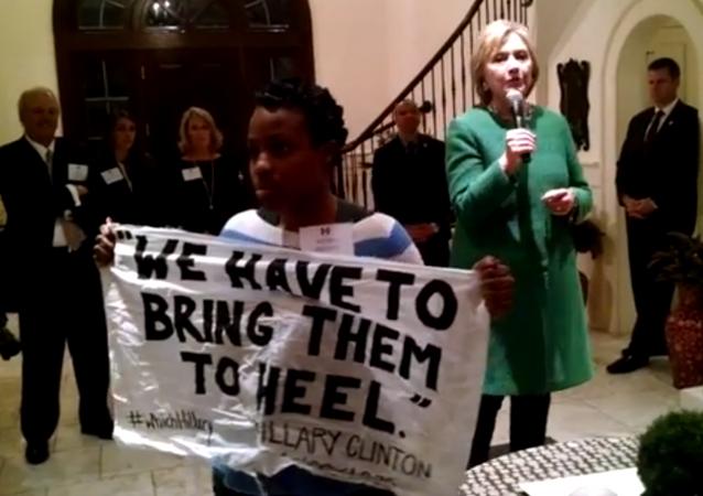 Siyahlardan Clinton'a tepki: Biz süper-yırtıcı değiliz