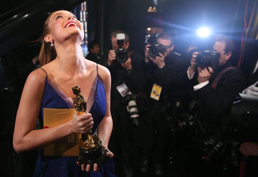 En iyi kadın oyuncu Oscar'ının sahibi Brie Larson