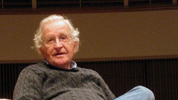 ABD'li akademisyen Noam Chomsky - Sputnik Türkiye