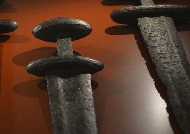 Viking kılıcı