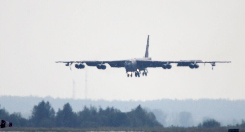 B-52 bombardıman uçağı