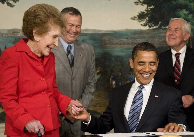 Eski first lady Nancy Reagan öldü