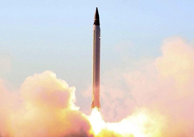 İran füze denemesi