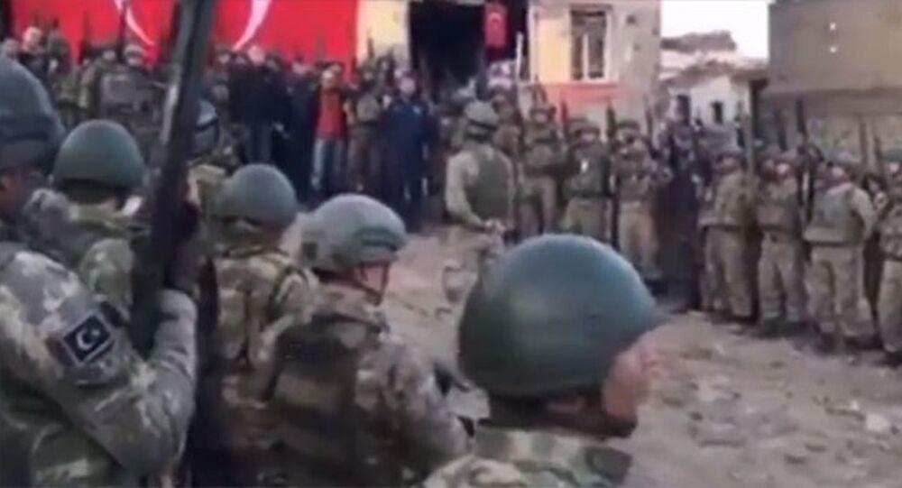 Operasyonların tamamlandığı Sur'da 'komando andı'