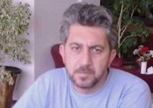 IŞİD, Suriyeli şair Muhammed Beşir el-Aani ve oğlu Eyass'ı Deyr ez-Zor'da öldürdü.