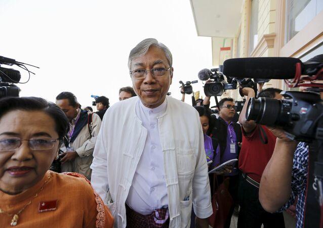 Myanmar Devlet Başkanı Htin Kyaw