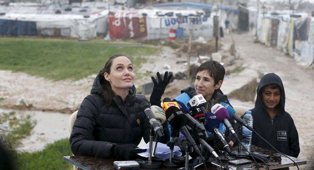 Angelina Jolie Bekaa Vadisi'nde