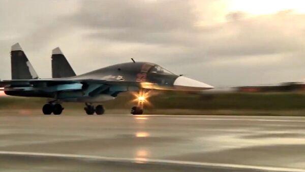 Rus uçakları Suriye'den ayrılmaya başladı - Sputnik Türkiye
