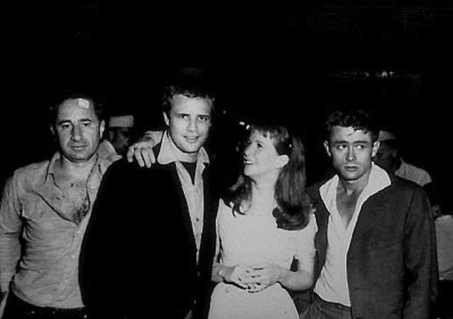 Elia Kazan, Marlon Brando, Julie Harris, James Dean