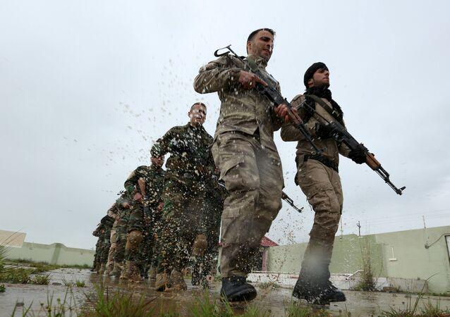 Peşmerge birliklerine katılan Hristiyan gönüllüler / Duhok tatbikatı