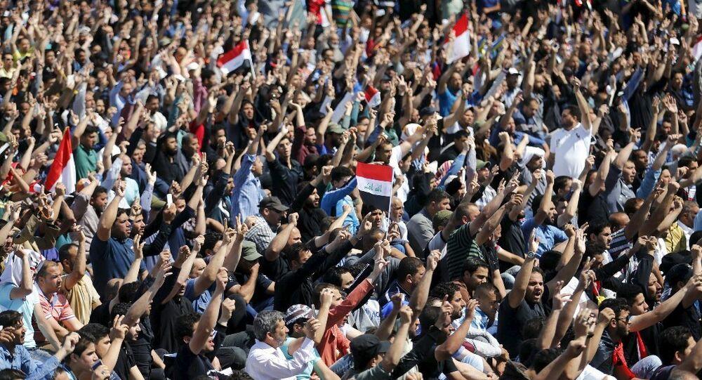 Irak'ta Şii lider Mukteda el Sadr yanlıları, Bağdat'taki Yeşil Bölge çevresinde 'sivil itaatsizlik' eylemi düzenledi.