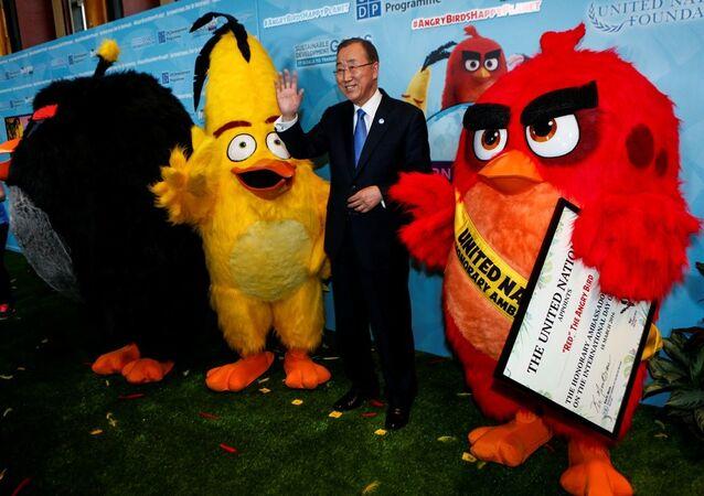 BM Genel Sekreteri Ban Ki-mun, popüler mobil oyun uygulaması Kızgın Kuşlar'daki (Angry Birds) 'Kırmızı' (Red) karakterini iklim değişikliği ile mücadele konusunda BM onursal elçisi olarak atadı.